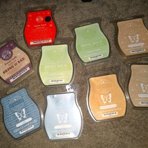 Lot of 9 Scentsy bars. Some current. Some retired